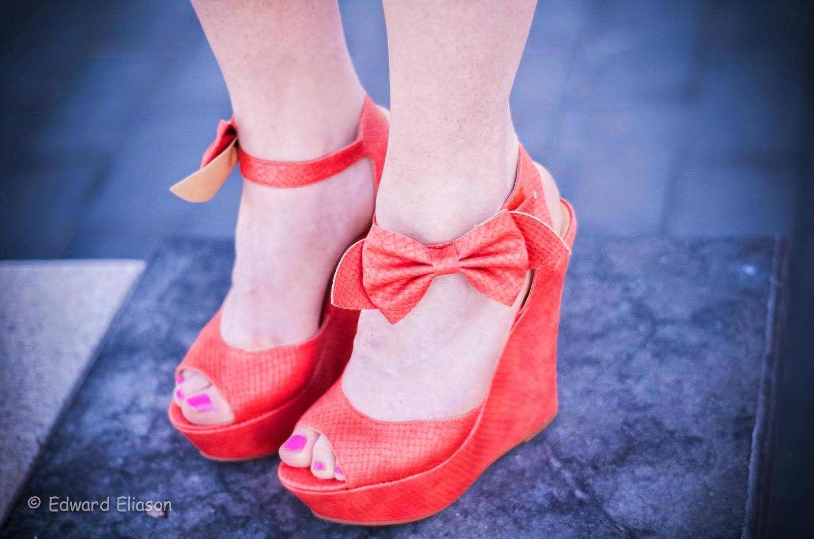 AMI Clubwear, bow heels, bow wegdges, similar tory burch penny wedges, similar tory burch bow wedges, ami clubwear shoes, clubwear, wedges, pink bow wedges, cute, holliday bvld, holiday boulevard, pink toe nails, snake skin wedges,
