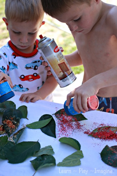 Making glitter leaves