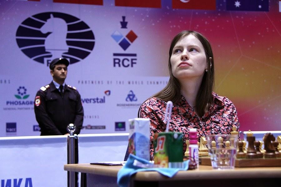 Dos au mur, la Russe Natalia Pogonina a trouvé les ressources pour battre Pia Cramling - Photo © Eteri Kublashvili