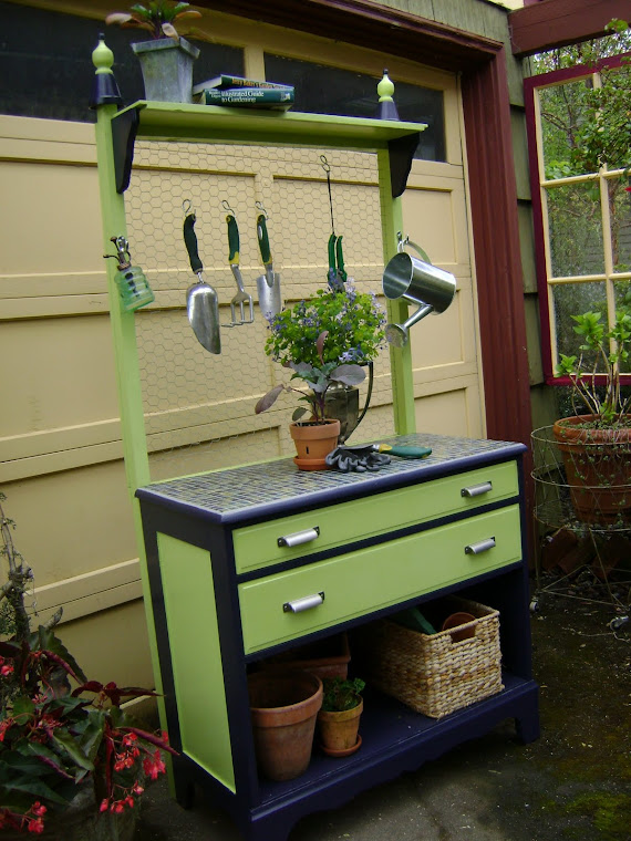 garden/potting bench