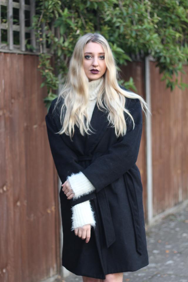 How to wear Kim K coat