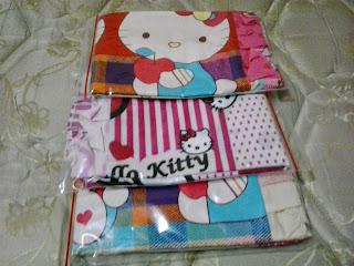 Sarung Bantal Cinta Hello Kitty Kain Katun Jepang Murah Surabaya