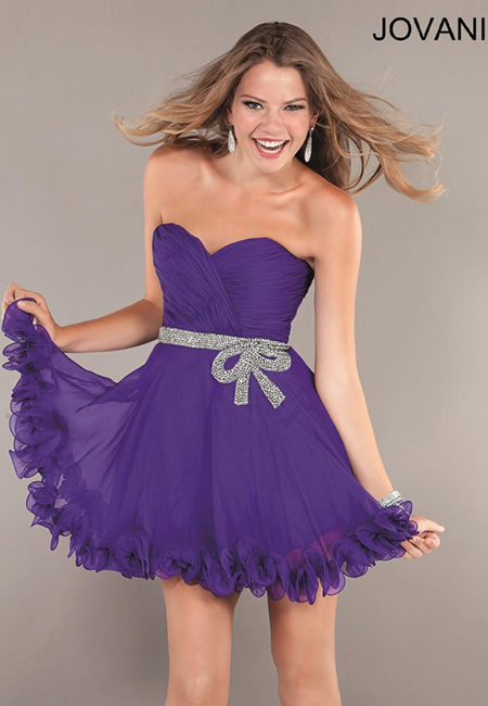 лилава къса рокличка с къдрици