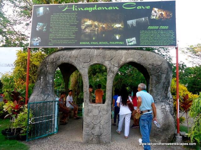 tour in Hinagdanan Cave Panglao Bohol