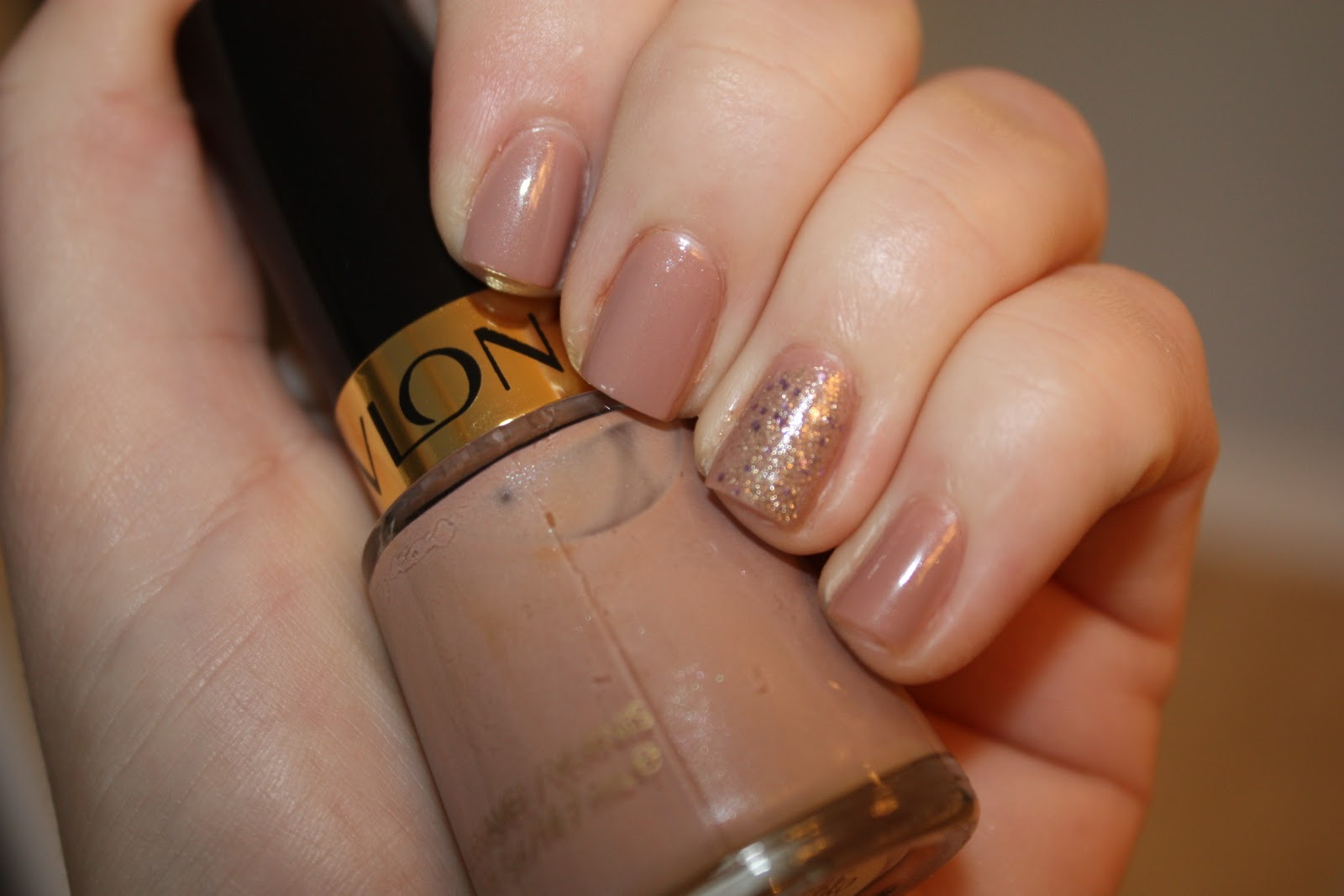 If Youu0027ve Been Reading My Blog For A While, You Know I Love An Accent Nail!  I Like To Paint My Nails, Then Use A Fun Glitter On My Ring Finger.