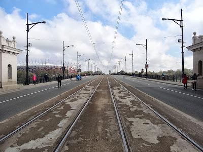 Most Poniatowskiego w trakcie 35. PZU Maratonu Warszawskiego.