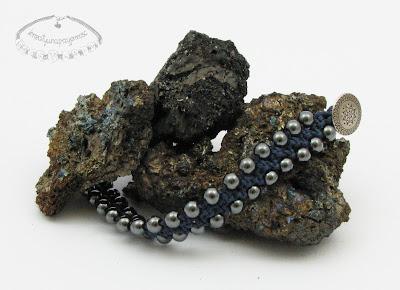 Makramowa bransoletka z hematytem 3
