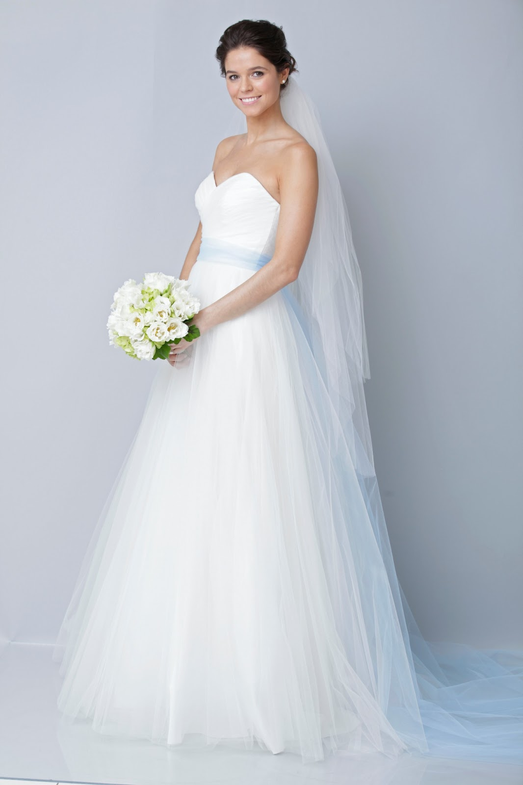 White Wedding Dresses For  : Coolingerie are you get bored with the white wedding dress