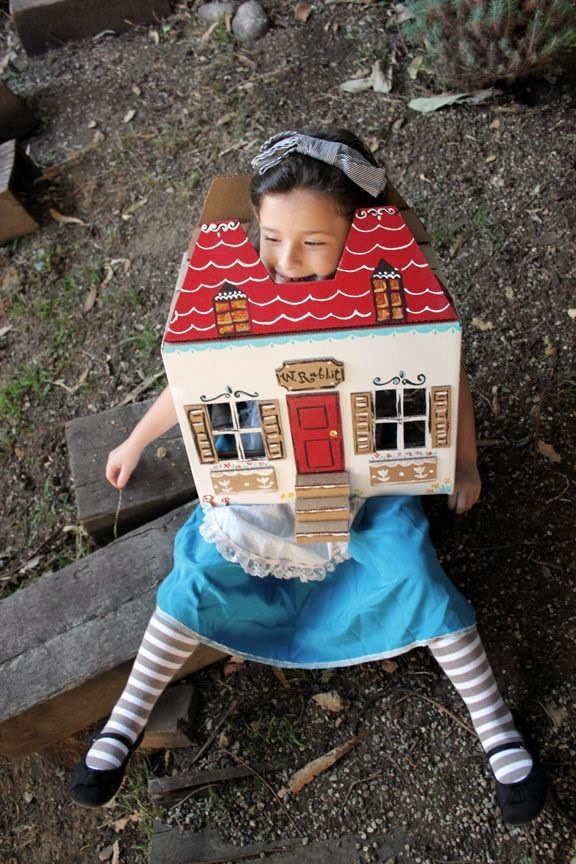 Alice in Wonderland DIY Costume