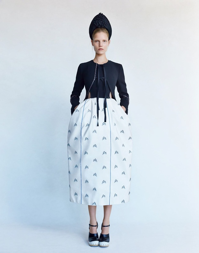 Dior 2015 SS Black Knit Top and Embroidered Tulip Skirt Editorials