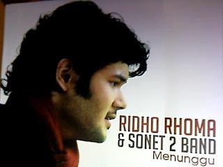 Lirik Lagu Ridho Rhoma (Sone 2 Band) - Menunggu