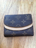 LOVELY LOUIS VUITTON PURSE