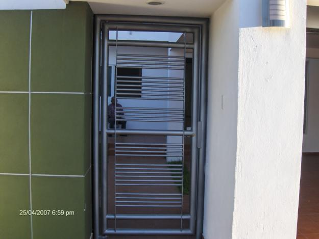 Puertas herreria for Puerta herreria minimalista