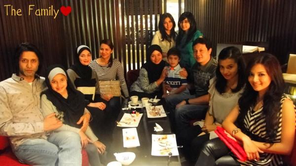 family keluarga neelofa