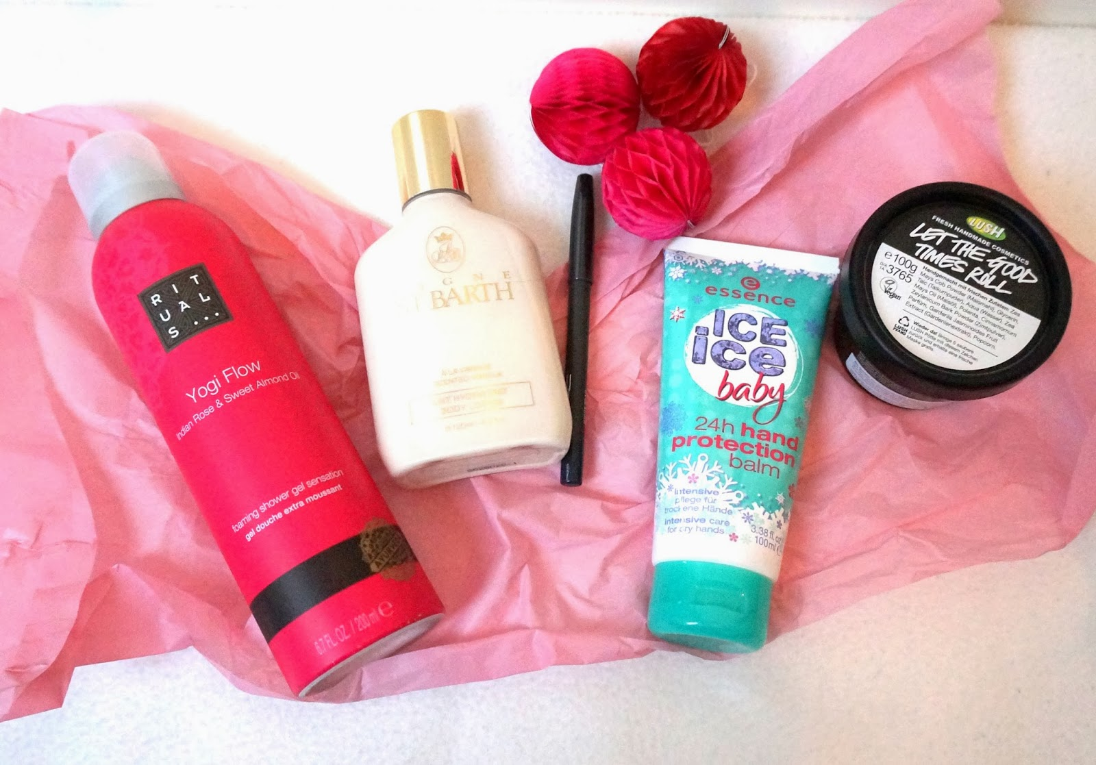 Beautyfavoriten Beauty Rituals essence St.Barth Bodylotion Lush Popcorn Gesichtsreiniger MAC Mäc Handcreme Kosmetik
