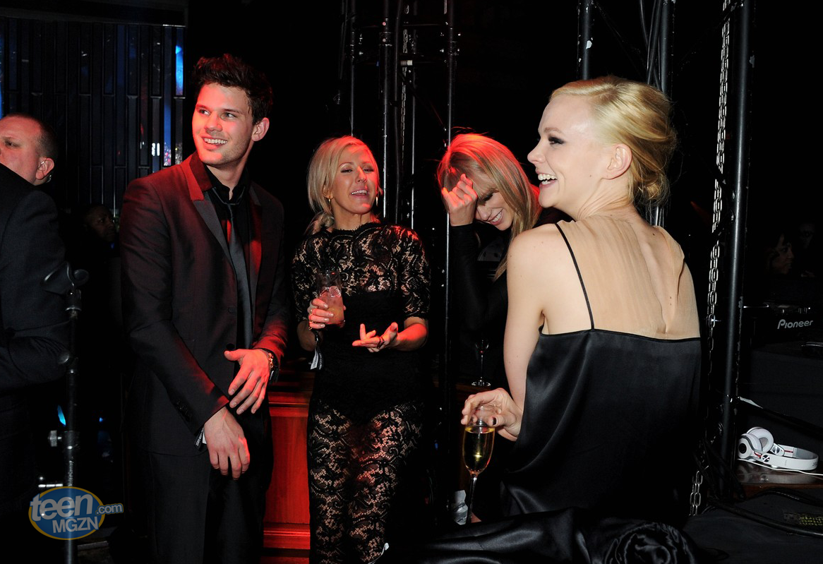 http://3.bp.blogspot.com/-9ucrRb1UB-E/UTTCy9oILrI/AAAAAAAAir4/w5_PO4He41Q/s1600/taylor-swift-carey-mulligan-brit-awards-after-party-gals-05.png