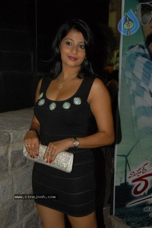 http://3.bp.blogspot.com/-9umY8thFcO0/Te37sU6aztI/AAAAAAAAGkU/jGscd3_NM1g/s1600/nadeesha_hemamali.jpg