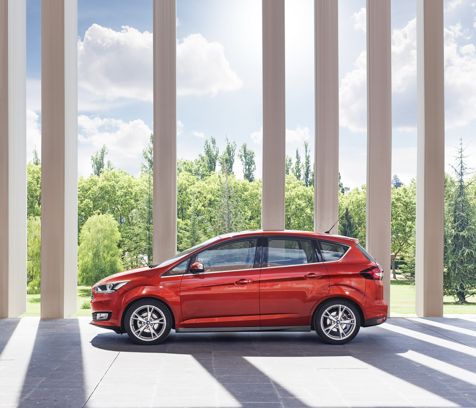 2015 Ford C-MAX Facelift Family Revealed In 43 Photos