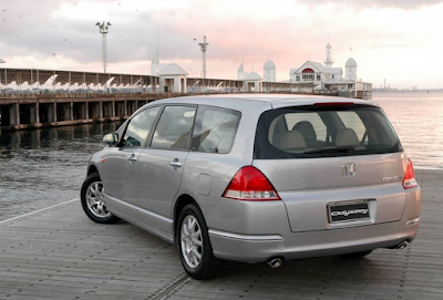 Eksterior Honda Odyssey Absolute
