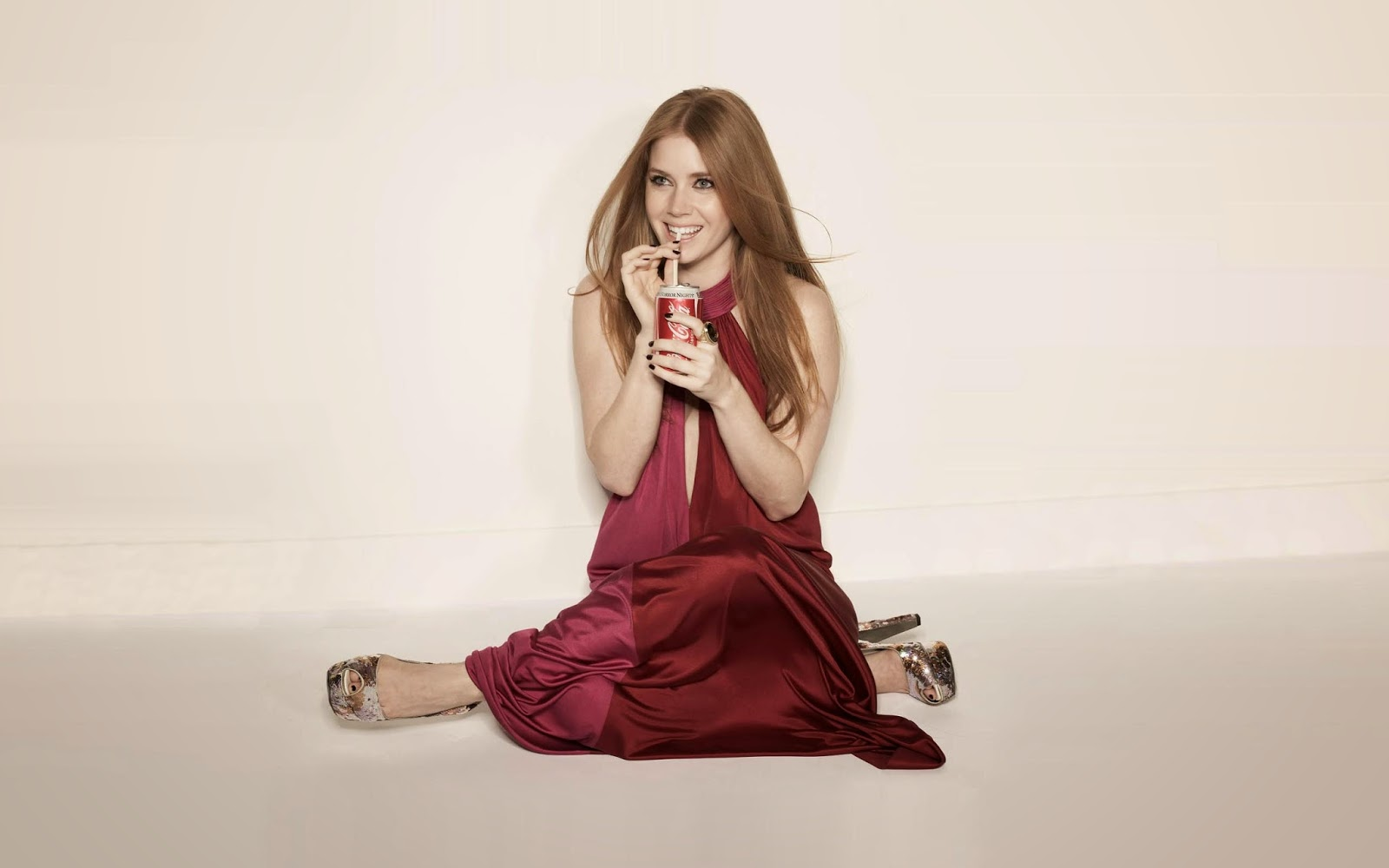 Amy adams drink a cocacola super images