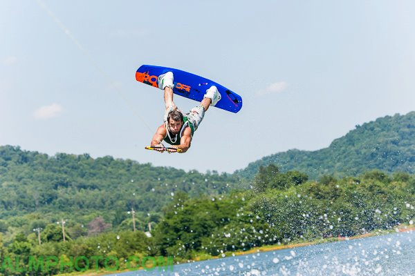 wakeboard, tennessee, knoxville, watersports, water, sports, action, alm photo, photography, professional photography, allan mueller, lisa mueller, INT league