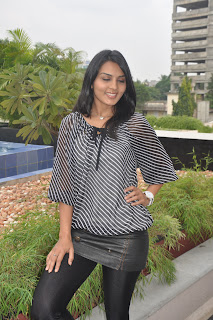 Yashika looks spicy At Muppozhudhum Un Karpanaigal Movie Press Meet