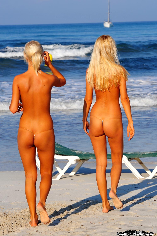 Пляжные голые