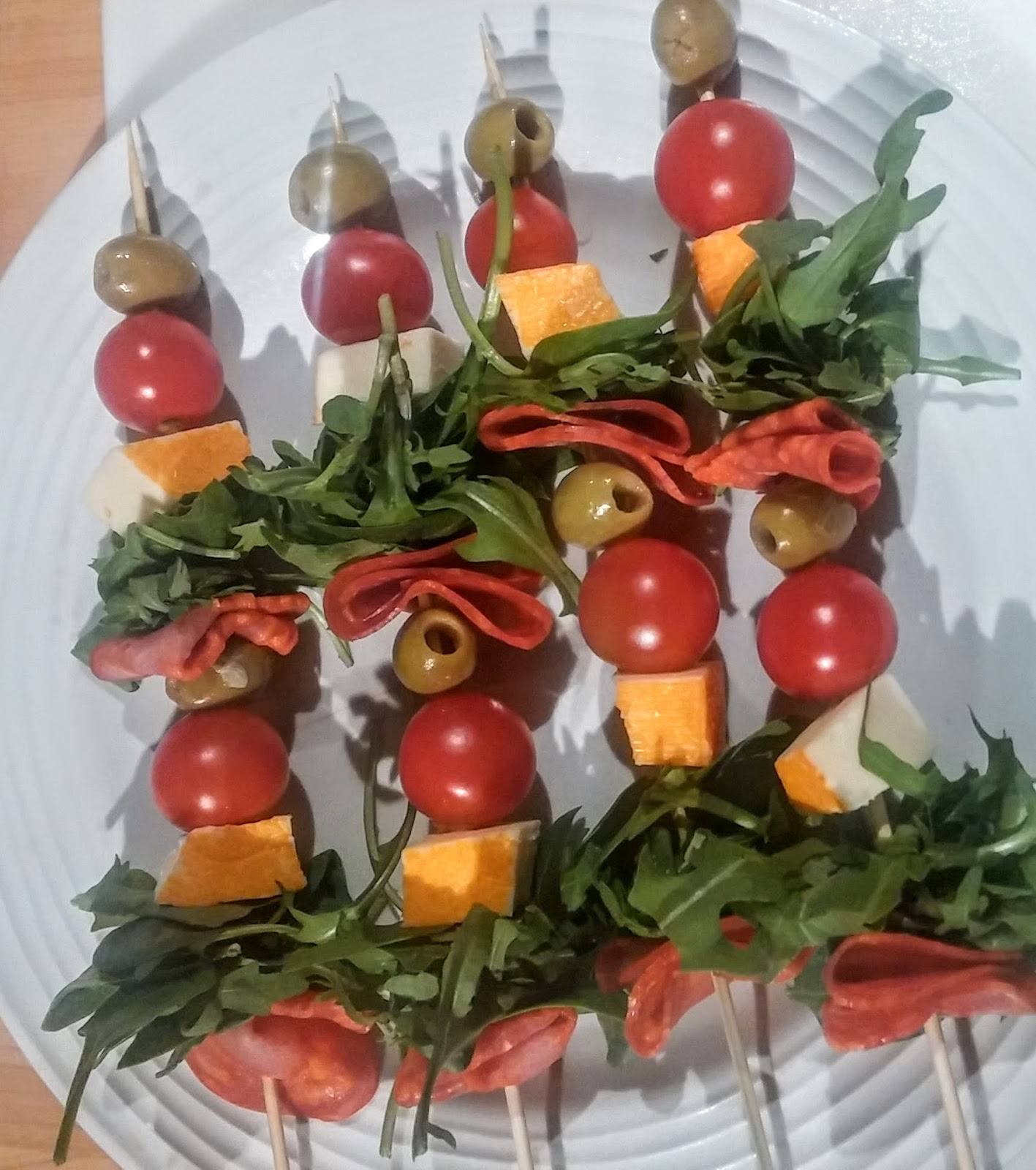 Easy continental canapes raw rhubarb fit food and recipes for Canape christmas
