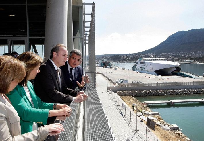 World wide ferries bale ria estrena sede en denia for Oficinas balearia
