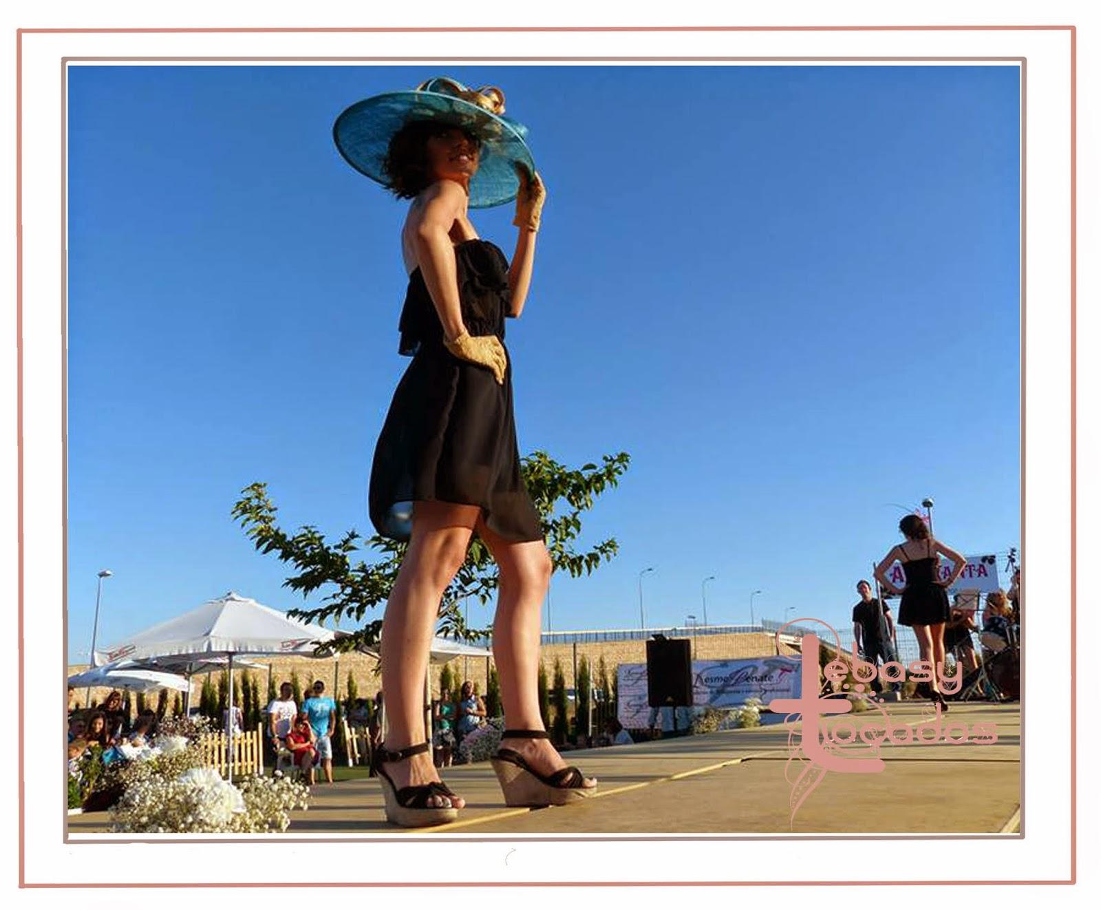 Pamela de Lebasy Tocados en el desfile benéfico Manzanares Fashion Week