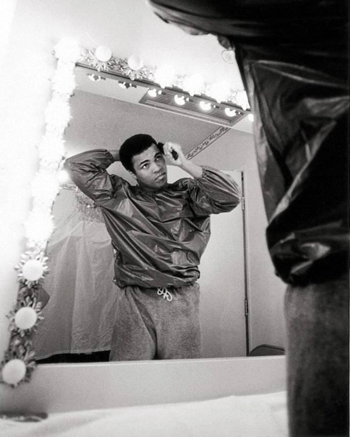 Muhammad Ali before the mirror, 1973