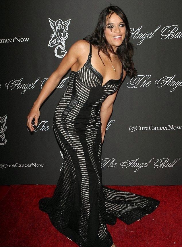 Wonder no more! She was gave to us a wonderful gift for our fashion inscription and Michelle Rodriguez sauntered down so perfectly into the red carpet at the Angel Ball. The actress has dazzled in her unstopping long dark dress as she wanted to be comfortable for her delivery show at New York, USA on Monday, October 20, 2014.