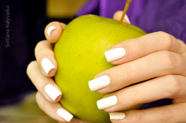 белый лак для ногтей Inglot O2M Breathable Nail Enamel 601