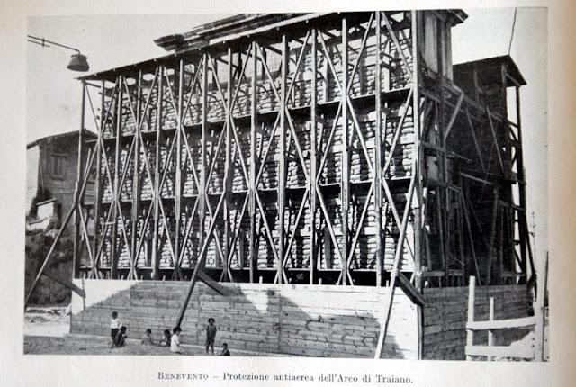 Arco di Traiano 1943