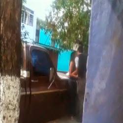 Roçando na buceta da putinha na rua - http://videosamadoresdenovinhas.com