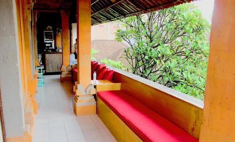 Hotel Ini 03km Dari Istana Ubud Dan 1km Museum Antonio Blanco Sedangkan Untuk Fasilitasnya Sendiri Terdiri Wi Fi Gratis Di Kamar Area Umum
