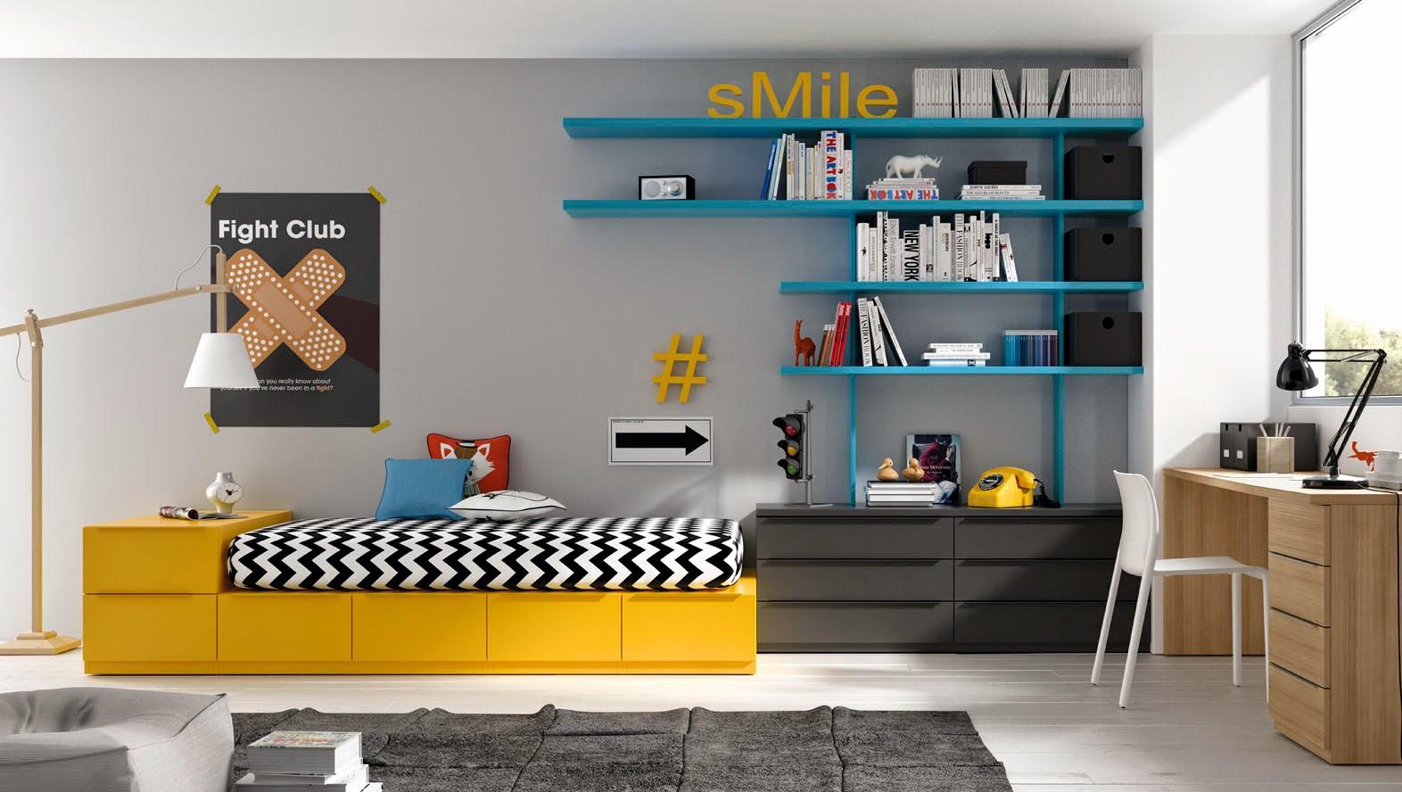 Dormitorio con cama amarilla,cajones grises y estanteria turquesa