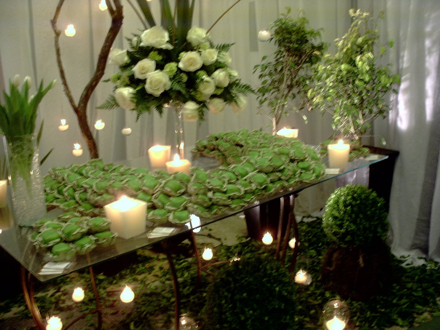 La sabore mesas decorativas com bem casados - Mesas decorativas ...