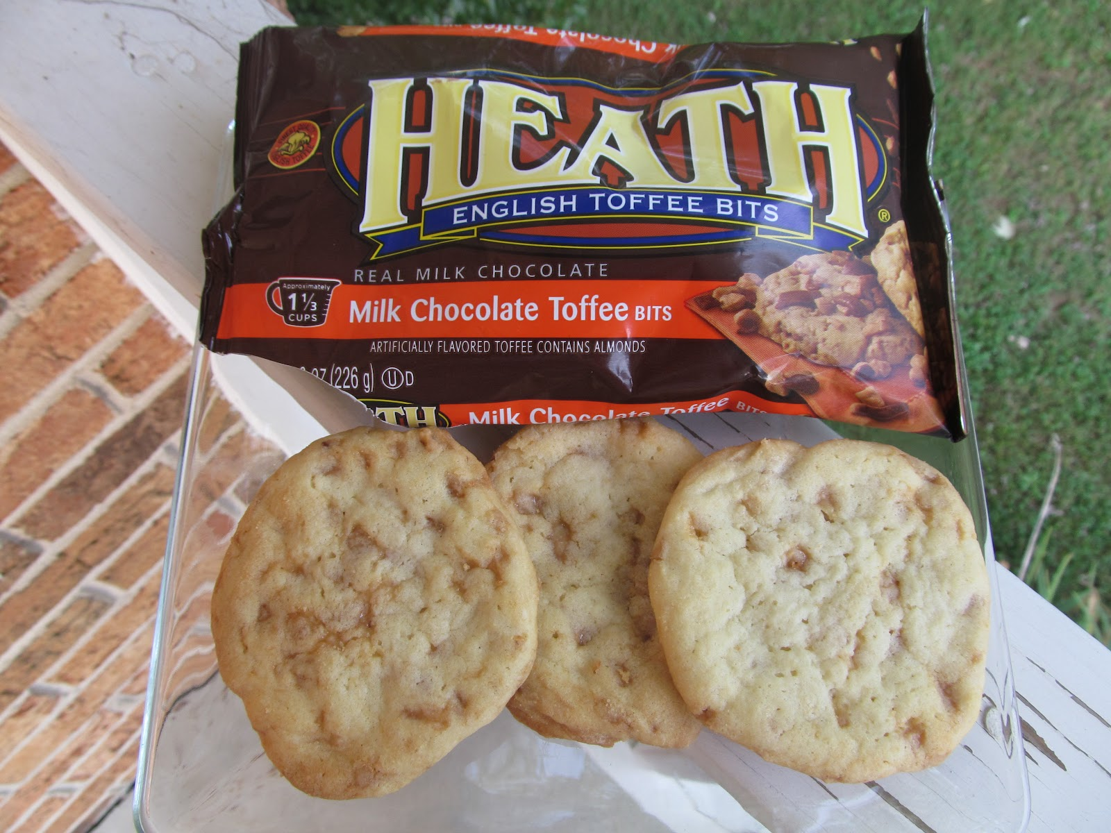 Heath Bar Cookies-- Week 1 of 12 weeks of Christmas Treats