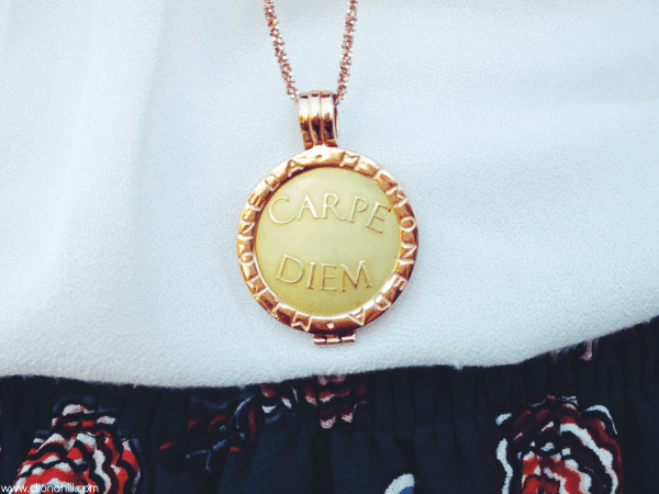 Mi Moneda Carpe Diem rose gold Necklace