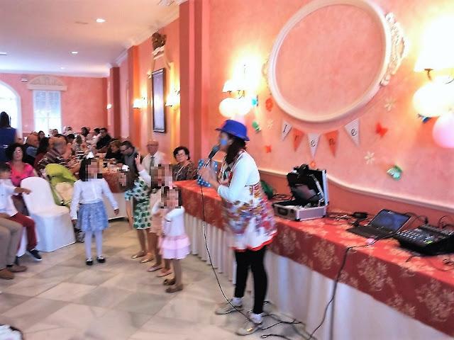 Comunión en Almonte, salón Virgen del Rocío