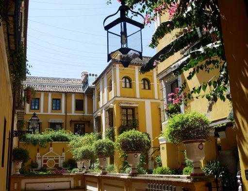 Andaluc a de vacaciones sevilla - Hotel los patios almeria ...
