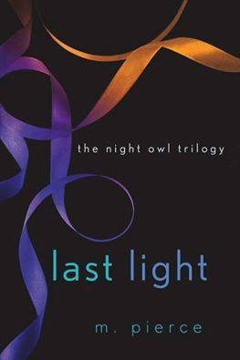 Ler romances livros e muito mais trilogia night owl as tenses aumentam segredos crescem e paixes ficam mais profundas e mais quentes em last light o segundo romance da trilogia night owl do autor fandeluxe Choice Image