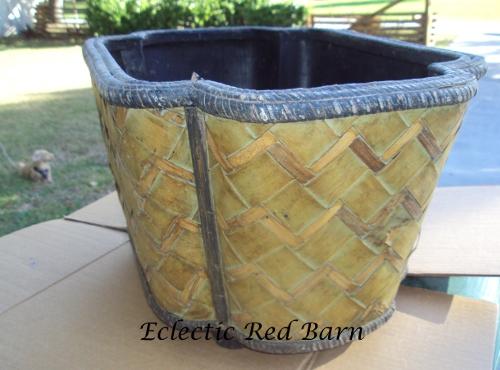 Wicker basket before being painted