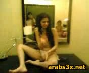 Nude-young-Arabs