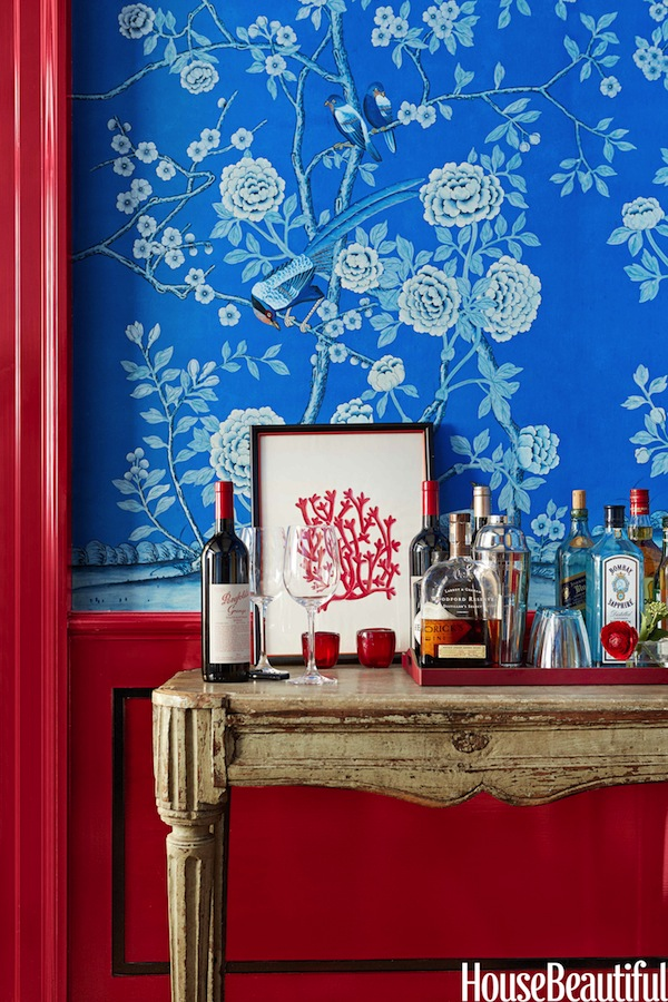 when someone mentions red white and blue decor im sure this is not what comes to mind a stunning chinoiserie vignette by interior designer christopher