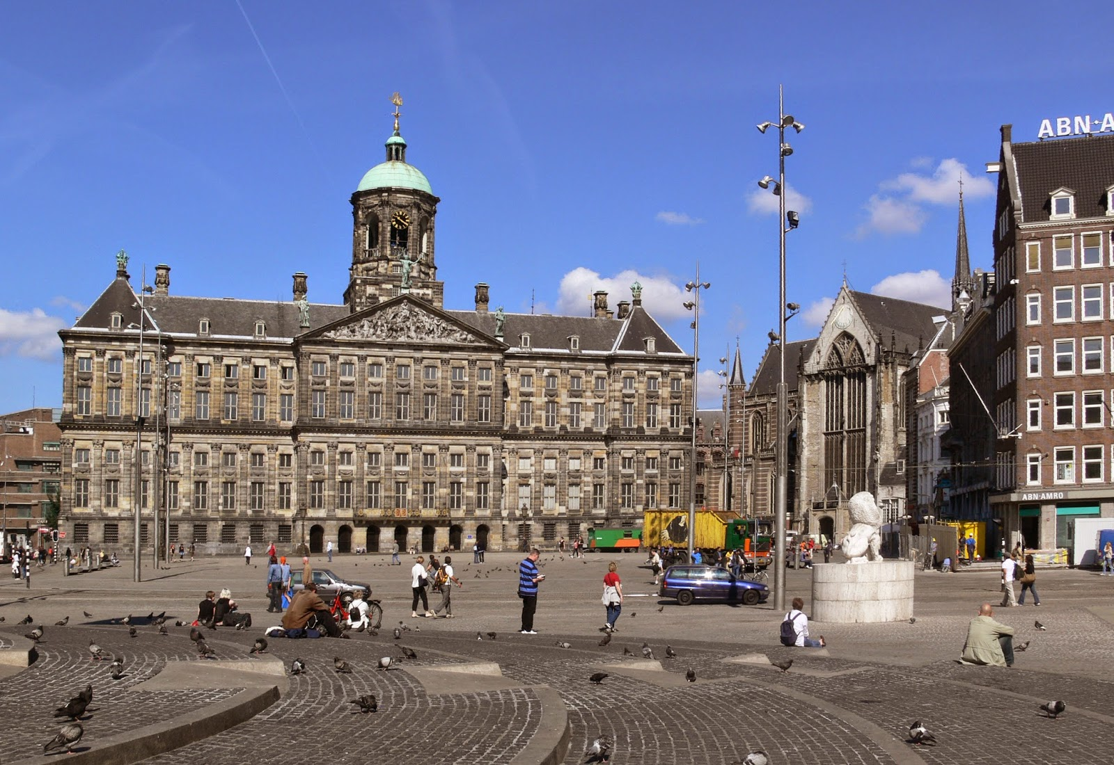 главная площадь Амстердама
