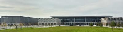Schönefelder Flughafen BER Von Elefanten und Korken, aus Berliner Zeitung