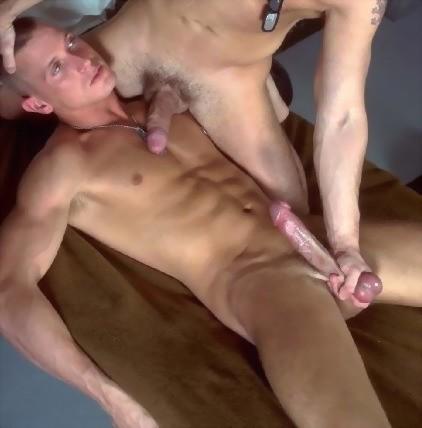 from Kamden diciottenni gay nudi