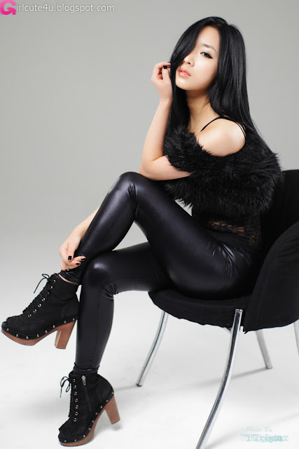 2 Sexy Minah - Black Leather Pants-very cute asian girl-girlcute4u.blogspot.com
